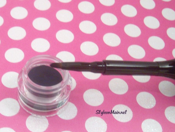 Cailyn Gel Eye Liner in Blue