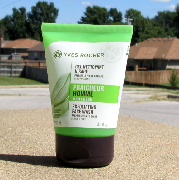 Yves Rocher Men Fresh Exfoliating Face Wash