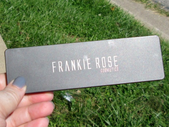 frankie-rose-eyeshadow-palette-closed (575 x 431)
