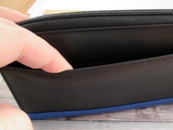 stewart-stand-wallet-back (575 x 432)