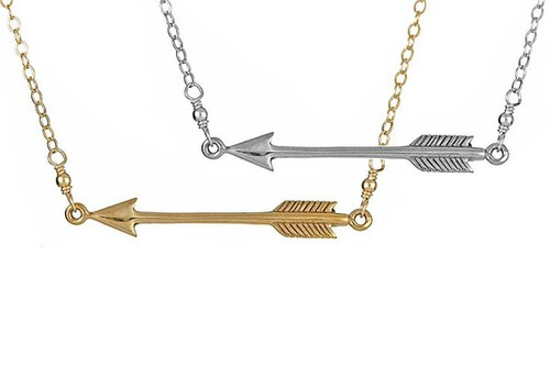 susi-d-arrow-necklace-crop