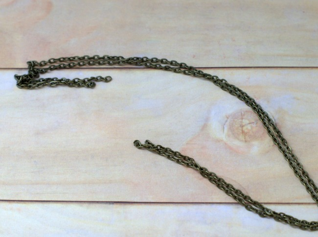 two-pieces-of-chain-650