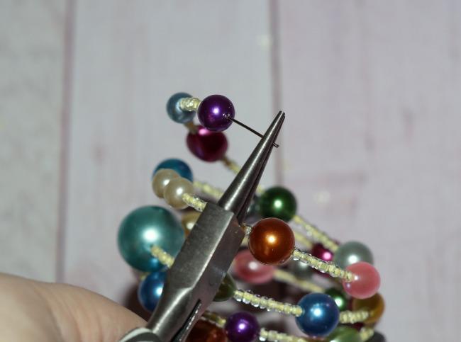 vintage-pearl-bracelet-ending