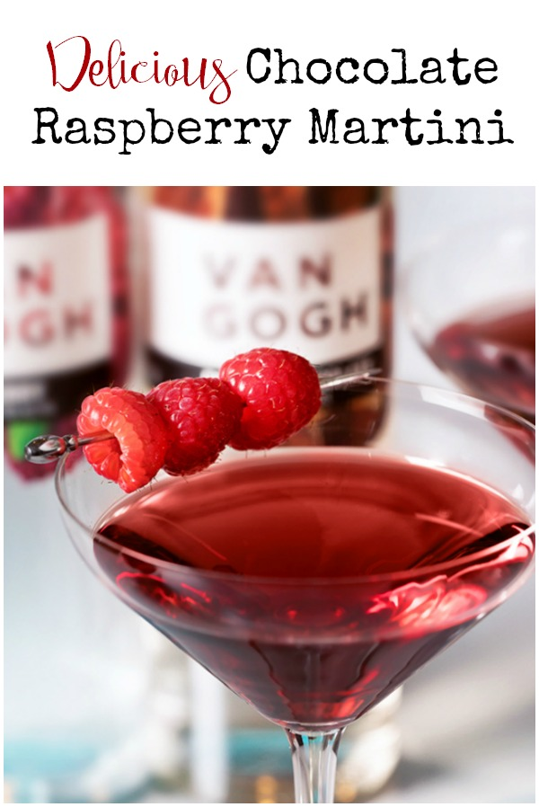 Make this delicious Chocolate Covered Raspberry Martini drink recipe for that someone special this Valentine's Day. Works great as a cocktail for ladies' night or Galentine's Day, too.