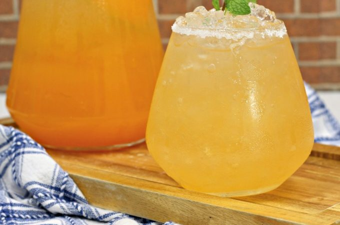 Cantaloupe tequila spritzer cocktail recipe