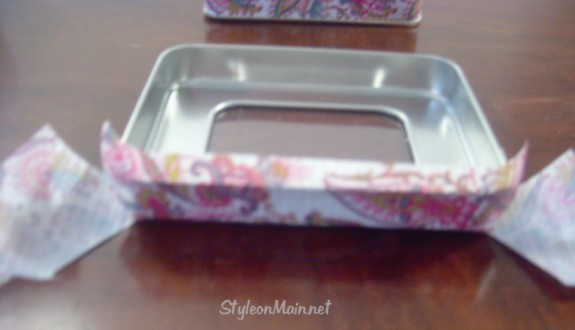How to cover a metal tin with duct tape