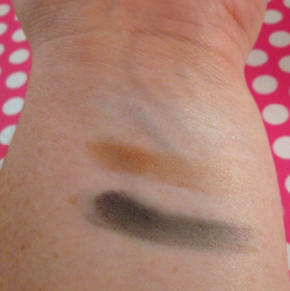 NYC Blues Cafe Eyeshadow Trio Palette Swatches