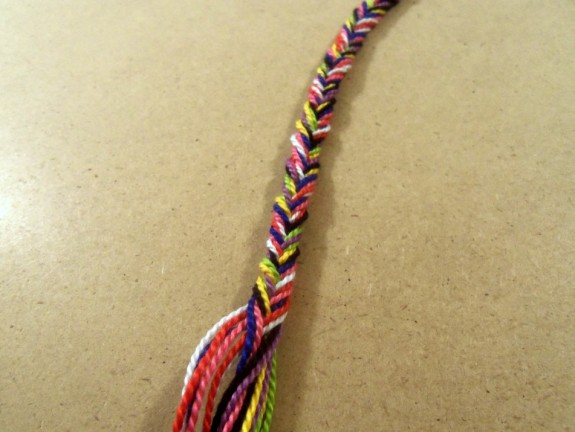 fishtail-braided-bracelet-13 (575 x 432)