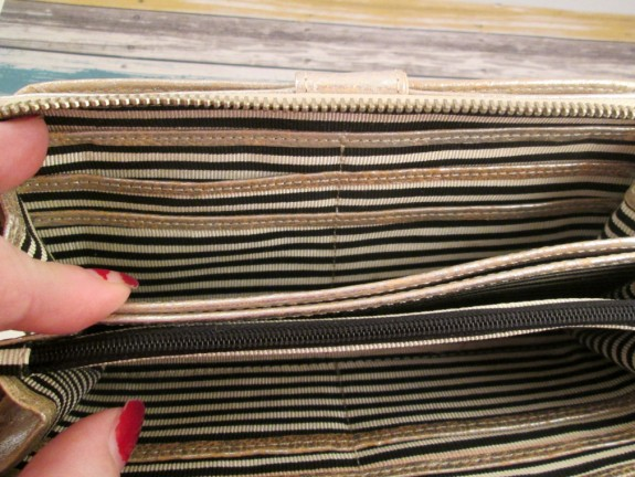 free-endearment-erin-wallet-inside-3 (575 x 432)