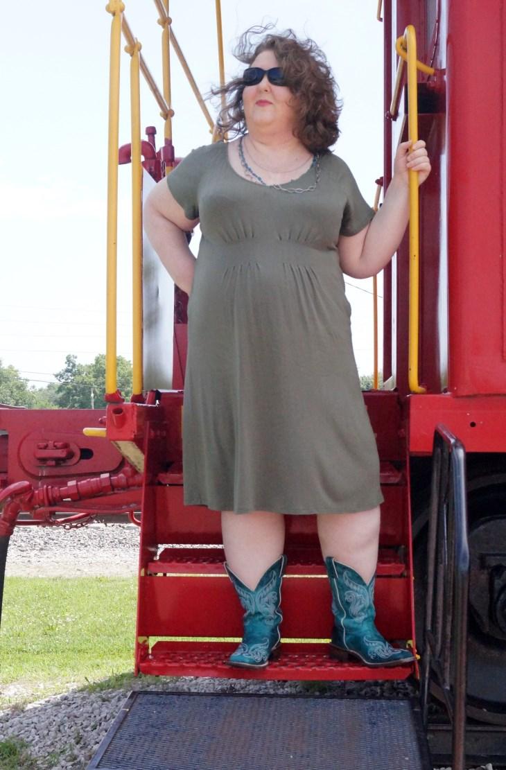 green-dress-justin-boots-3 (730 x 1111)