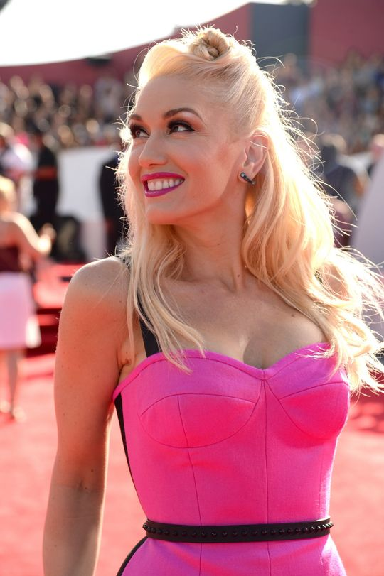 gwen-stefani-mtv-vmas-2014-hair-makeup