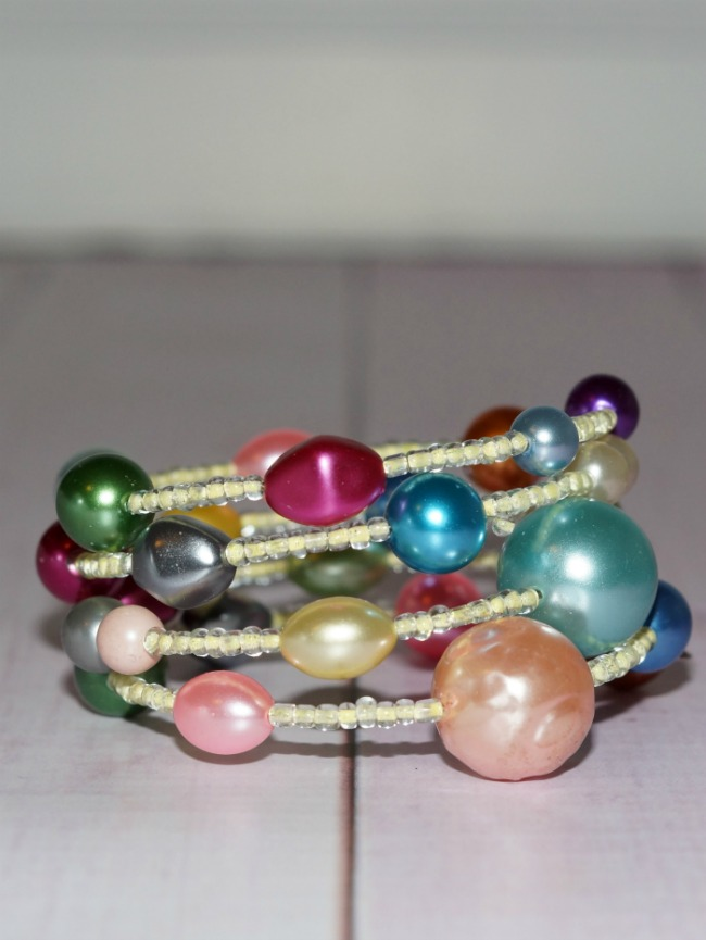 vintage-pearl-bracelet-650