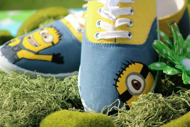 How to make handpainted Minion shoes