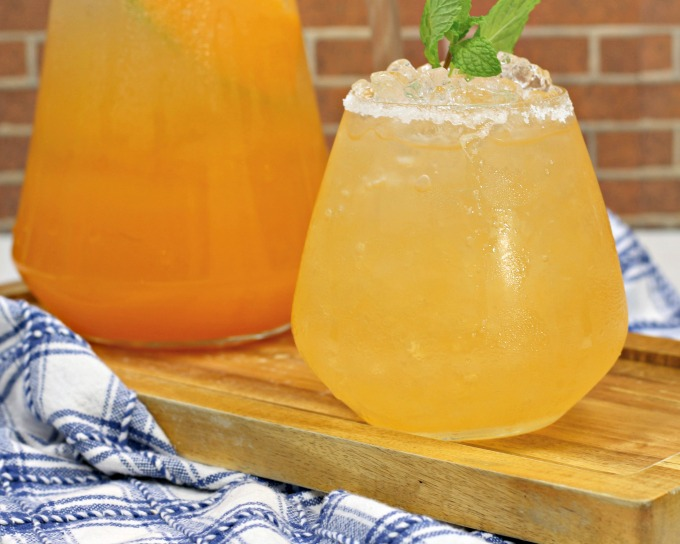 Cantaloupe tequila spritzer cocktail recipe