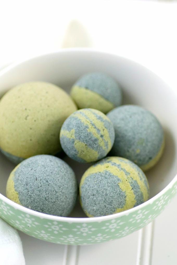 Spirulina Matcha DIY bath bombs